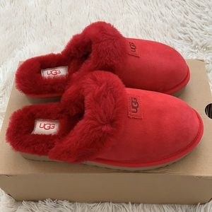 Brand new Authentic ugg cozy ribbon red genuine shearling slipper